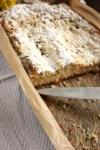 Ciasto drożdżowe z rabarbarem i kruszonką - ujęcie 1