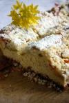 Ciasto drożdżowe z rabarbarem i kruszonką - ujęcie 2
