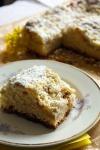 Ciasto drożdżowe z rabarbarem i kruszonką - ujęcie 3