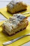 Ciasto drożdżowe z rabarbarem i kruszonką - ujęcie 4