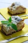 Ciasto drożdżowe z rabarbarem i kruszonką - ujęcie 5