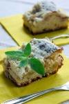 Ciasto drożdżowe z rabarbarem i kruszonką - ujęcie 6