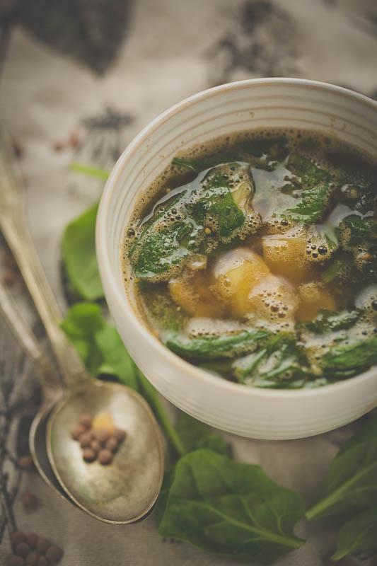 Etiopska zupa zsoczewicą
